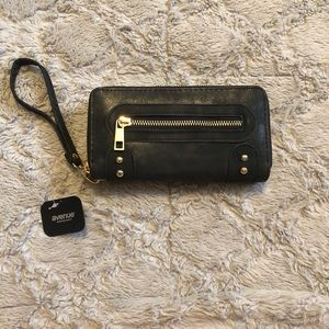 NEW Avenue Black Wallet With Gold Hardware